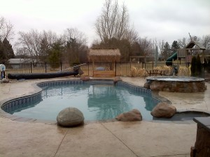 Vinyl Liner Swimming Pool and Raised Spillover Spa in Saline Michigan 2010 by Legendary Escapes Pools (8)