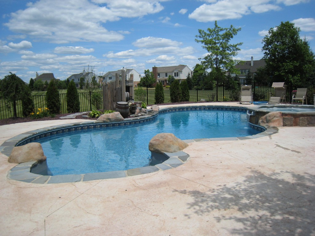 Freeform vinyl liner pool by legendary escapes - How to calculate swimming pool volume ...