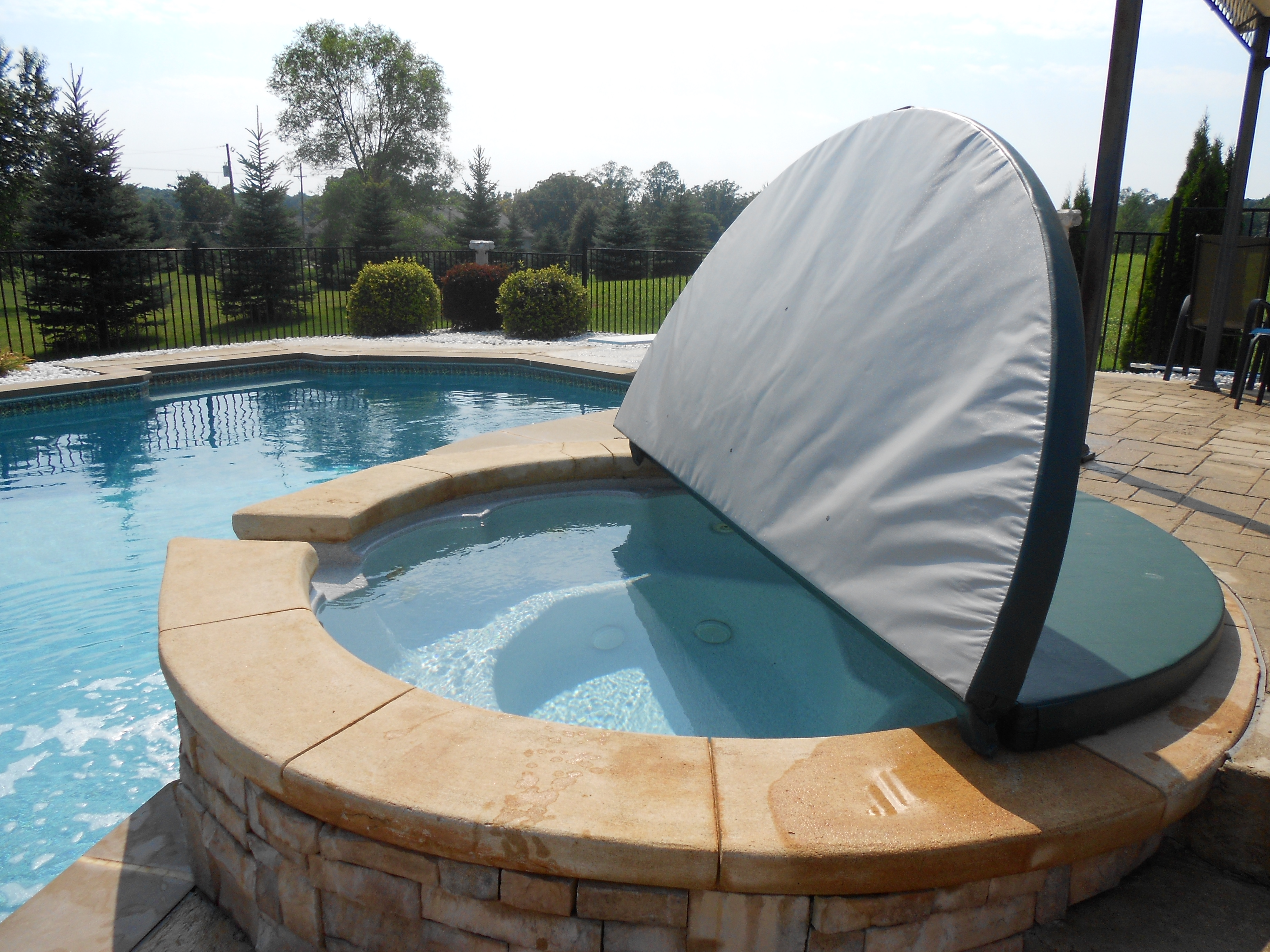 Spa In Swimming Pool: Pool With Spa Cover Installed By Pietila Pools Services